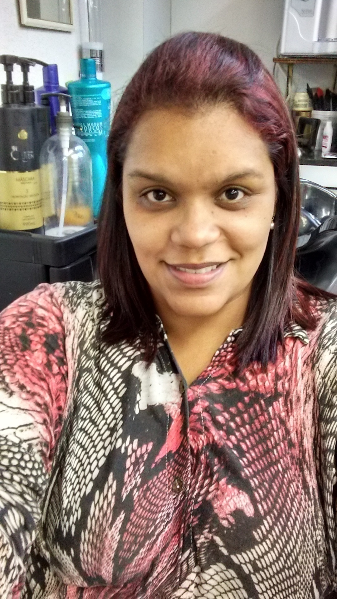Trabalho  cabelo manicure e pedicure cabeleireiro(a)