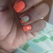 Inglesinha preta com flores laranjas