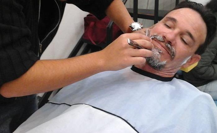 outros barbeiro(a)