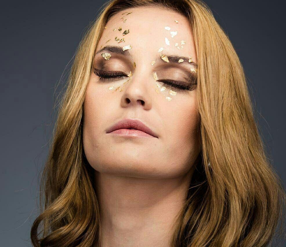 Make #artística #fashion #moda #dourado maquiagem maquiador(a) designer de sobrancelhas