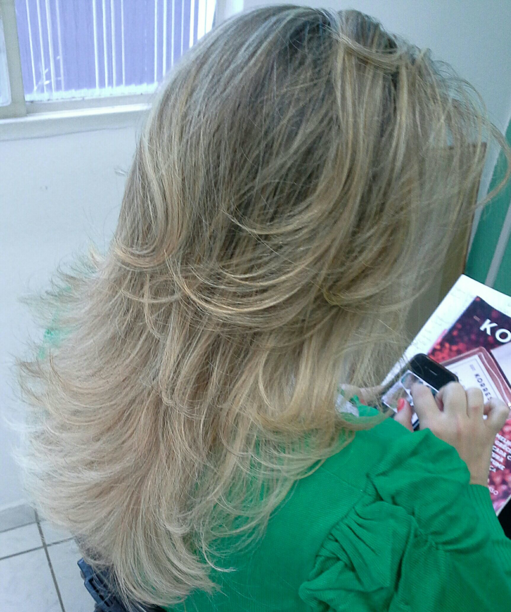 Retoque de  luzes, loiro dos sonhos  ,  Loiríssima cabelo stylist / visagista cabeleireiro(a)