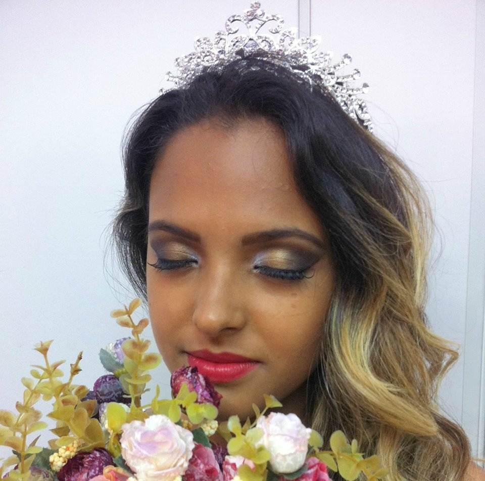 Maquiagem Noiva Veja mais no meu Blog Vaidosas de Batom:  www.vaidosasdebatom.com maquiagem maquiador(a) docente / professor(a)