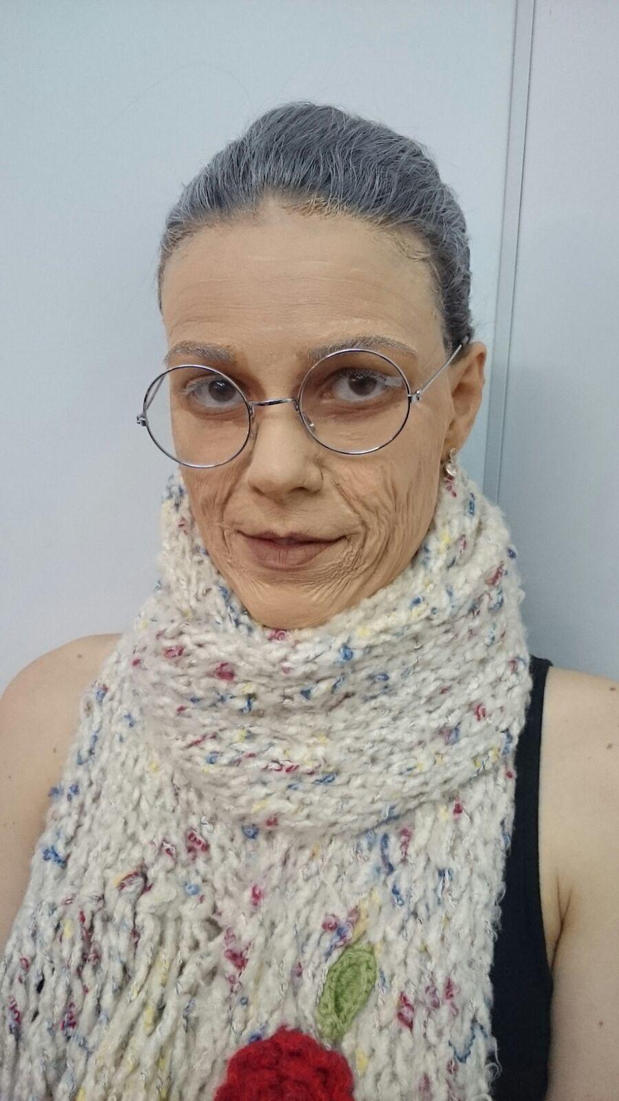 Maquiagem Artística - Técnica de Envelhecimento Veja mais no meu Blog Vaidosas de Batom:  www.vaidosasdebatom.com maquiagem maquiador(a) docente / professor(a)