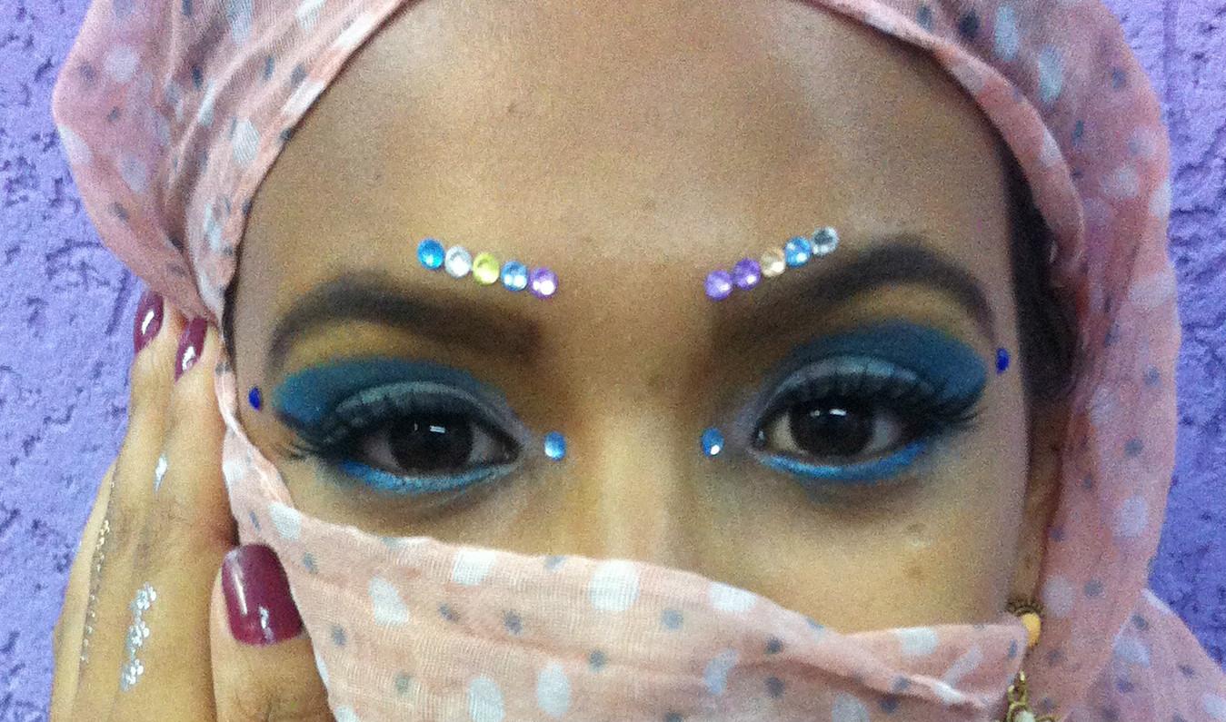 Maquiagem Artística - Noiva Indiana Veja mais no meu Blog Vaidosas de Batom:  www.vaidosasdebatom.com maquiagem maquiador(a) docente / professor(a)