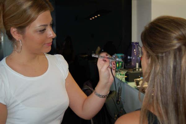 Maquiagem feita com AIRBRUSH( hd) em cliente. maquiagem maquiador(a)