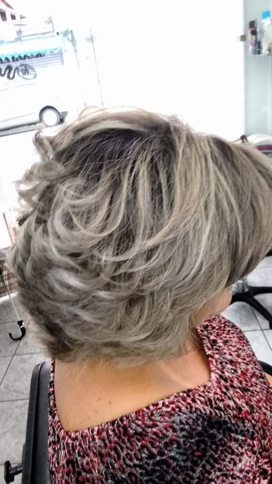 Luzes cabelo auxiliar cabeleireiro(a) designer de sobrancelhas recepcionista