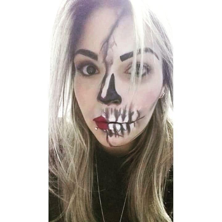 Temática de hellowen #caveirasexy #khellenGiroMakeHair maquiagem maquiador(a) escovista depilador(a) designer de sobrancelhas micropigmentador(a)