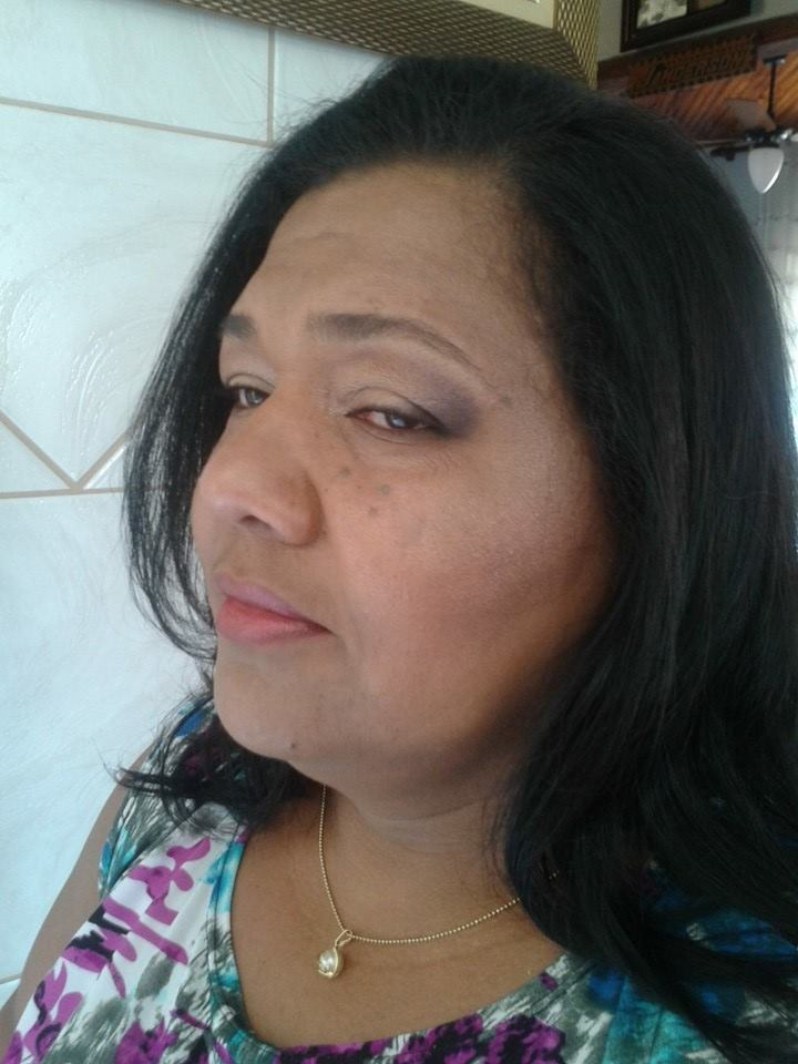 maquiagem natural maquiagem designer de sobrancelhas maquiador(a) cabeleireiro(a) consultor(a) depilador(a) empresário(a) / dono de negócio