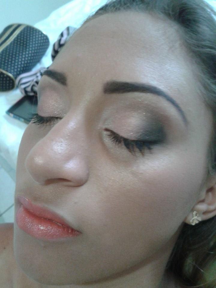 makeup-noiva maquiagem designer de sobrancelhas maquiador(a) cabeleireiro(a) consultor(a) depilador(a) empresário(a) / dono de negócio