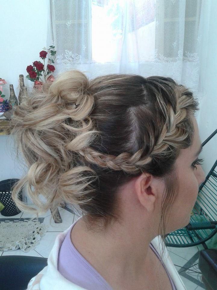 penteado com traça tiara cabelo designer de sobrancelhas maquiador(a) cabeleireiro(a) consultor(a) depilador(a) empresário(a) / dono de negócio