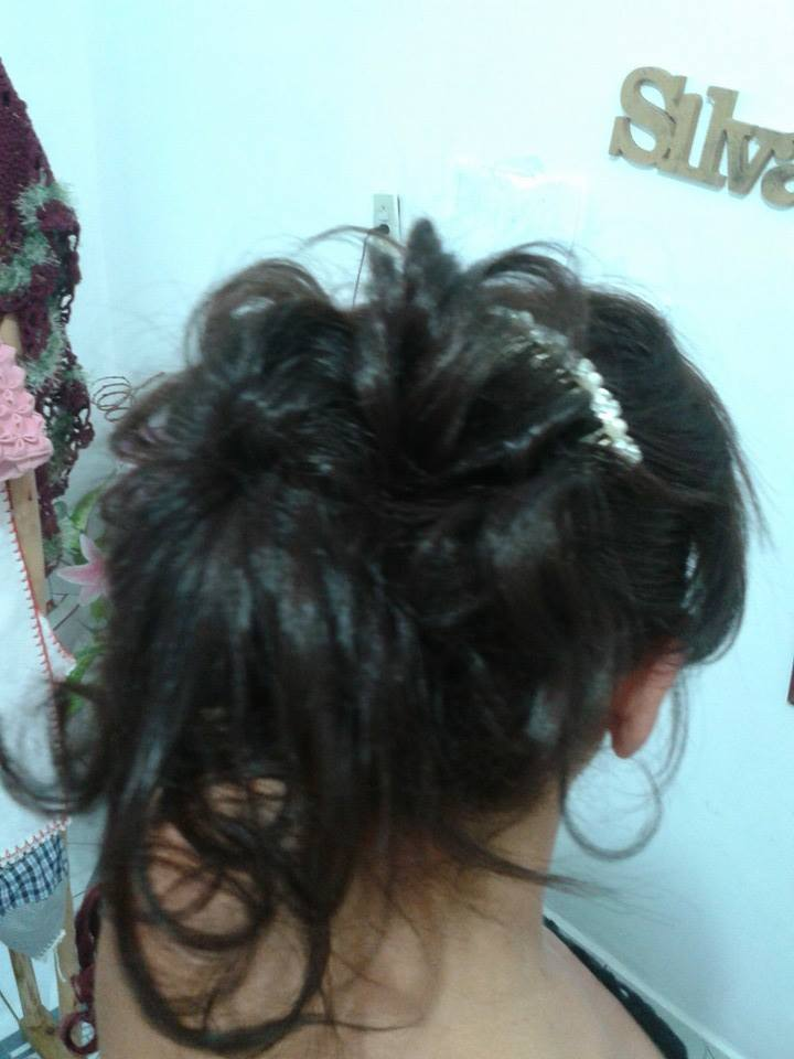 penteado espojado cabelo designer de sobrancelhas maquiador(a) cabeleireiro(a) consultor(a) depilador(a) empresário(a) / dono de negócio