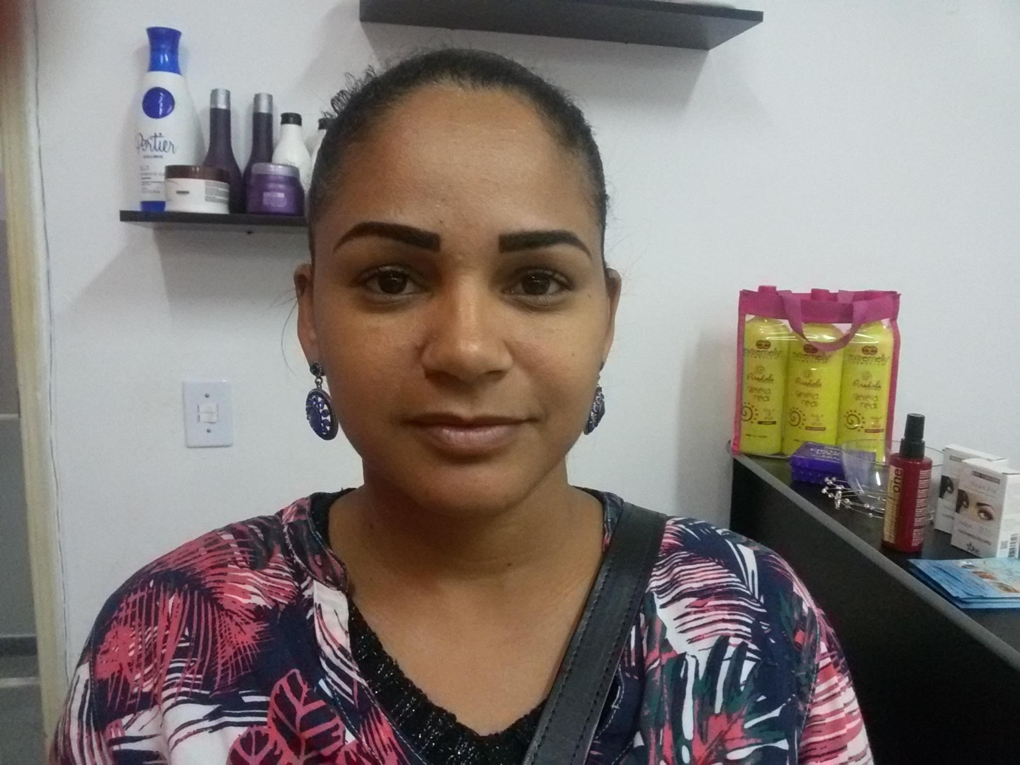 Sobrancelha com henna  outros cabeleireiro(a)