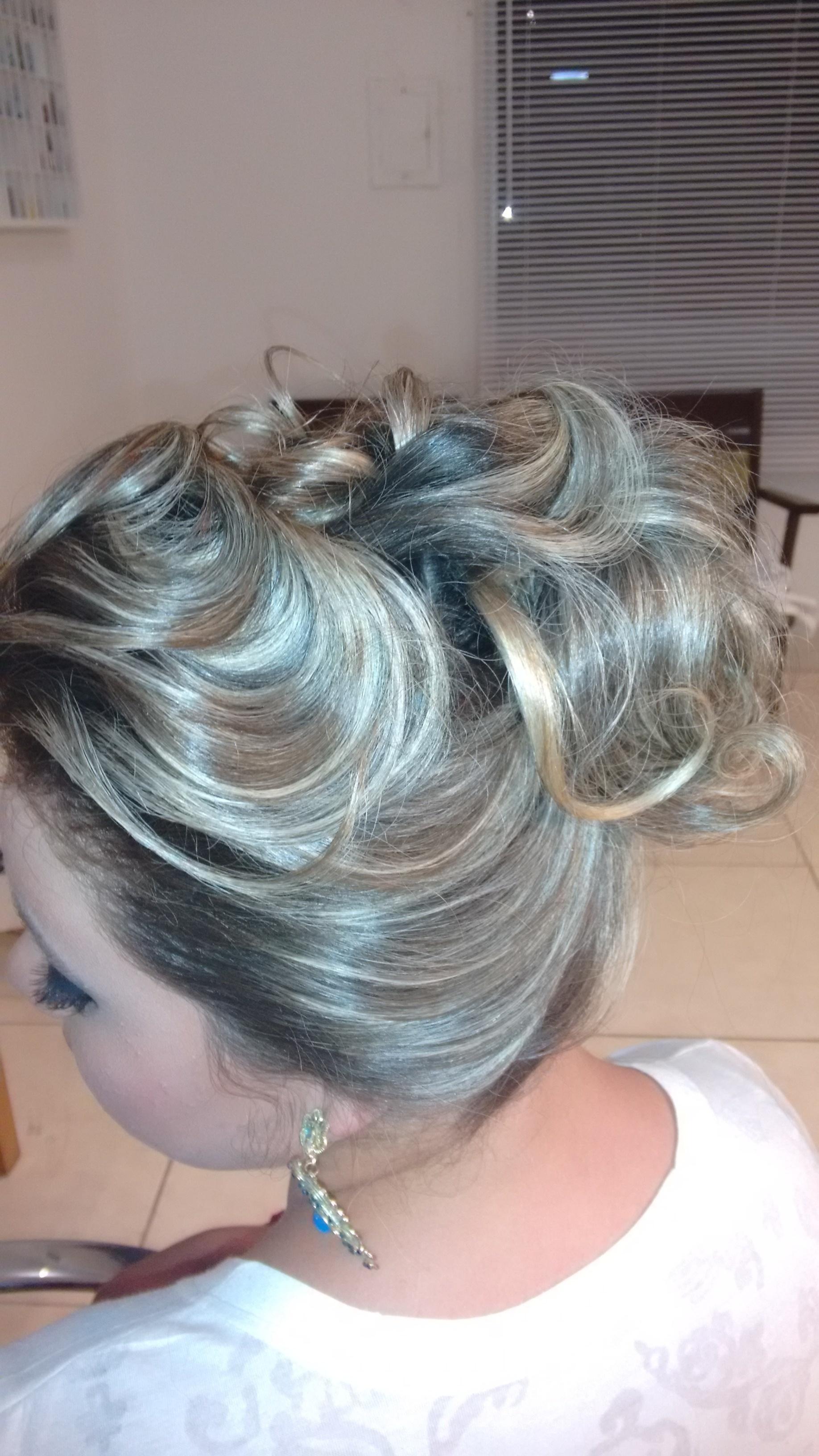 Mechas e penteado outros cabeleireiro(a) maquiador(a)
