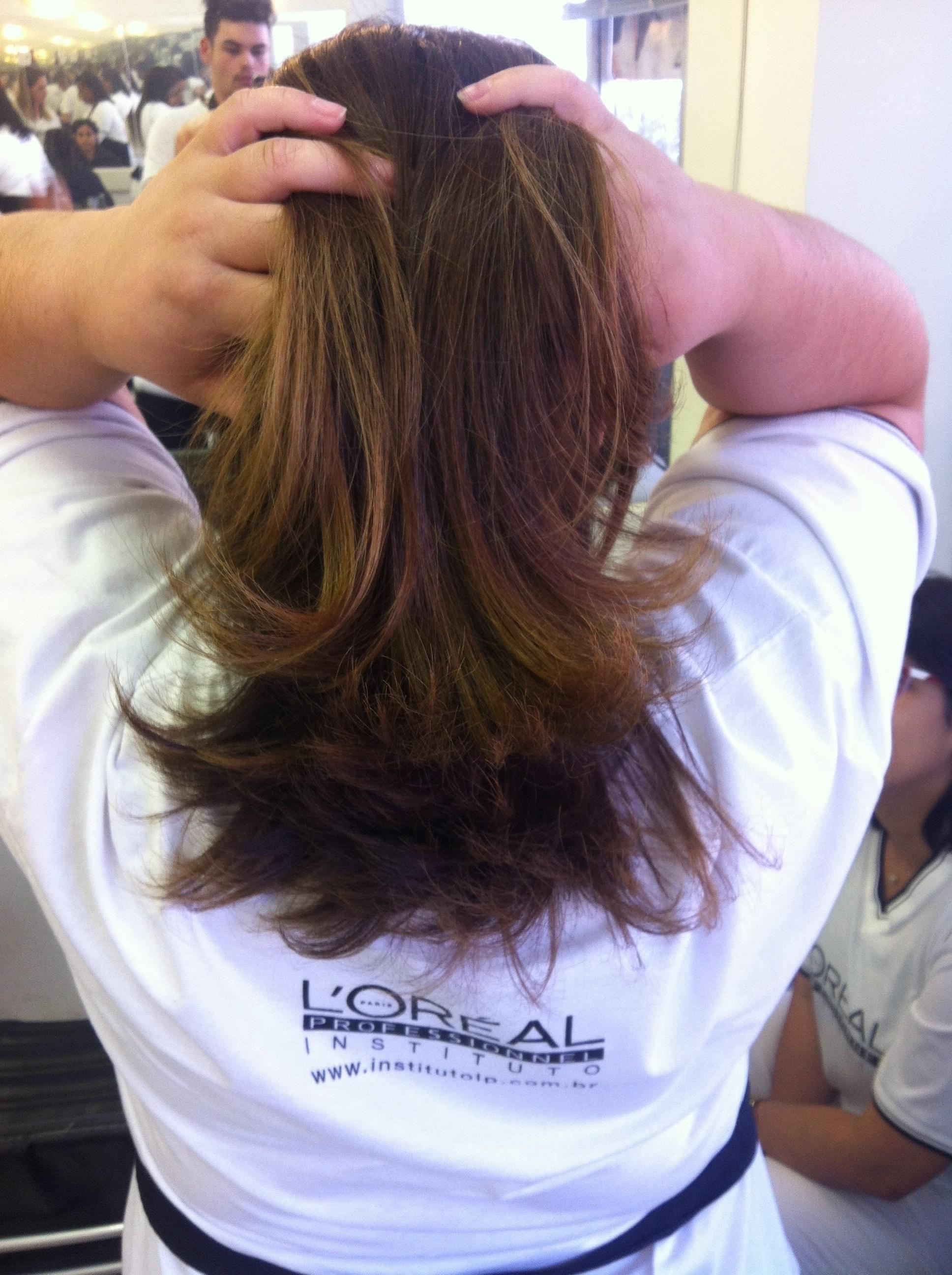 cabelo cabeleireiro(a) auxiliar cabeleireiro(a)