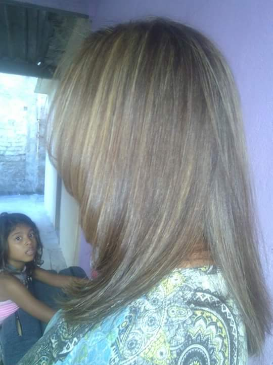 Luzes ,coloracao e corte cabelo esteticista cabeleireiro(a) consultor(a) maquiador(a)