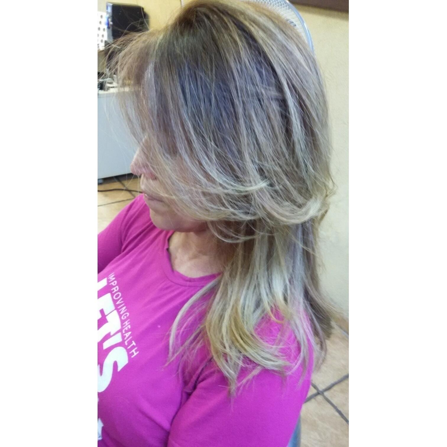 Correção de cor loiro perfeito amei cabeleireiro(a)