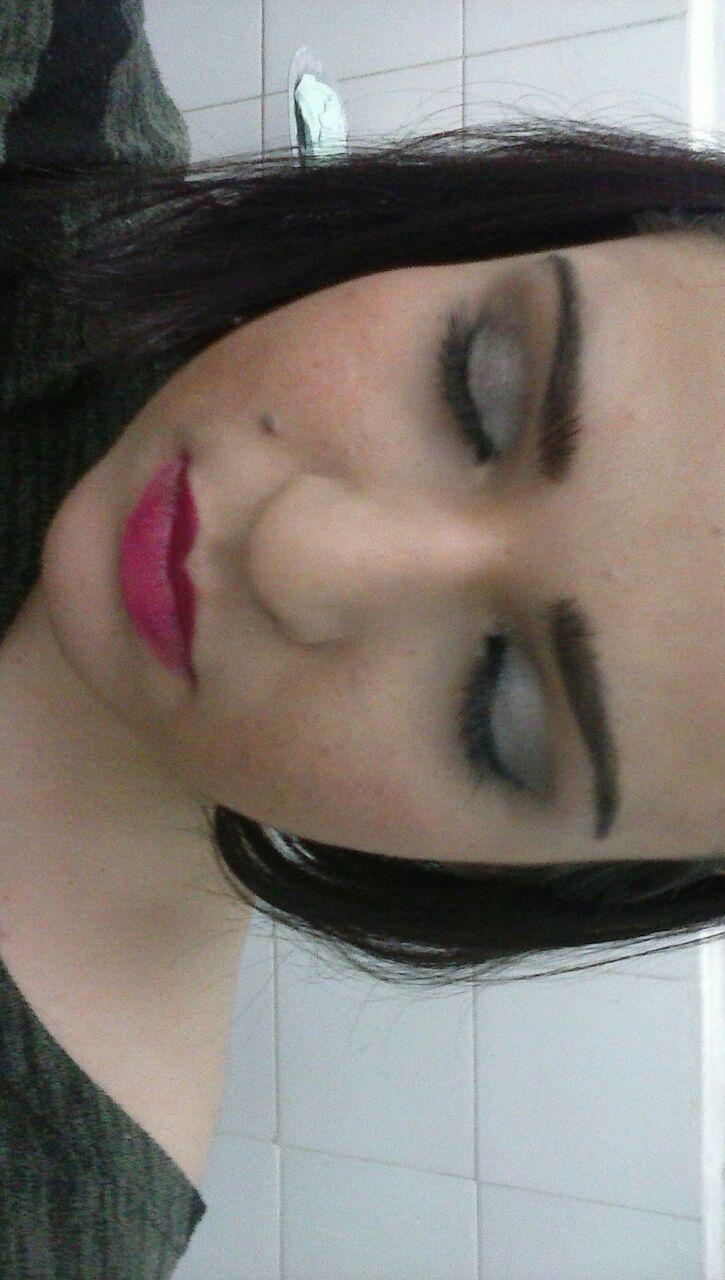 maquiagem manicure e pedicure maquiador(a) auxiliar cabeleireiro(a)