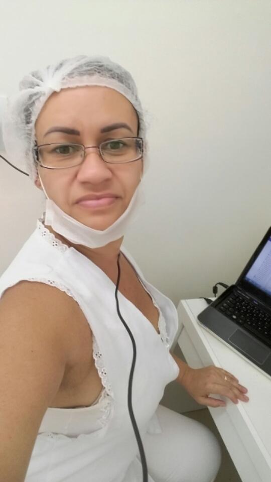 Trabalhando... amo...  estética depilador(a) massoterapeuta esteticista