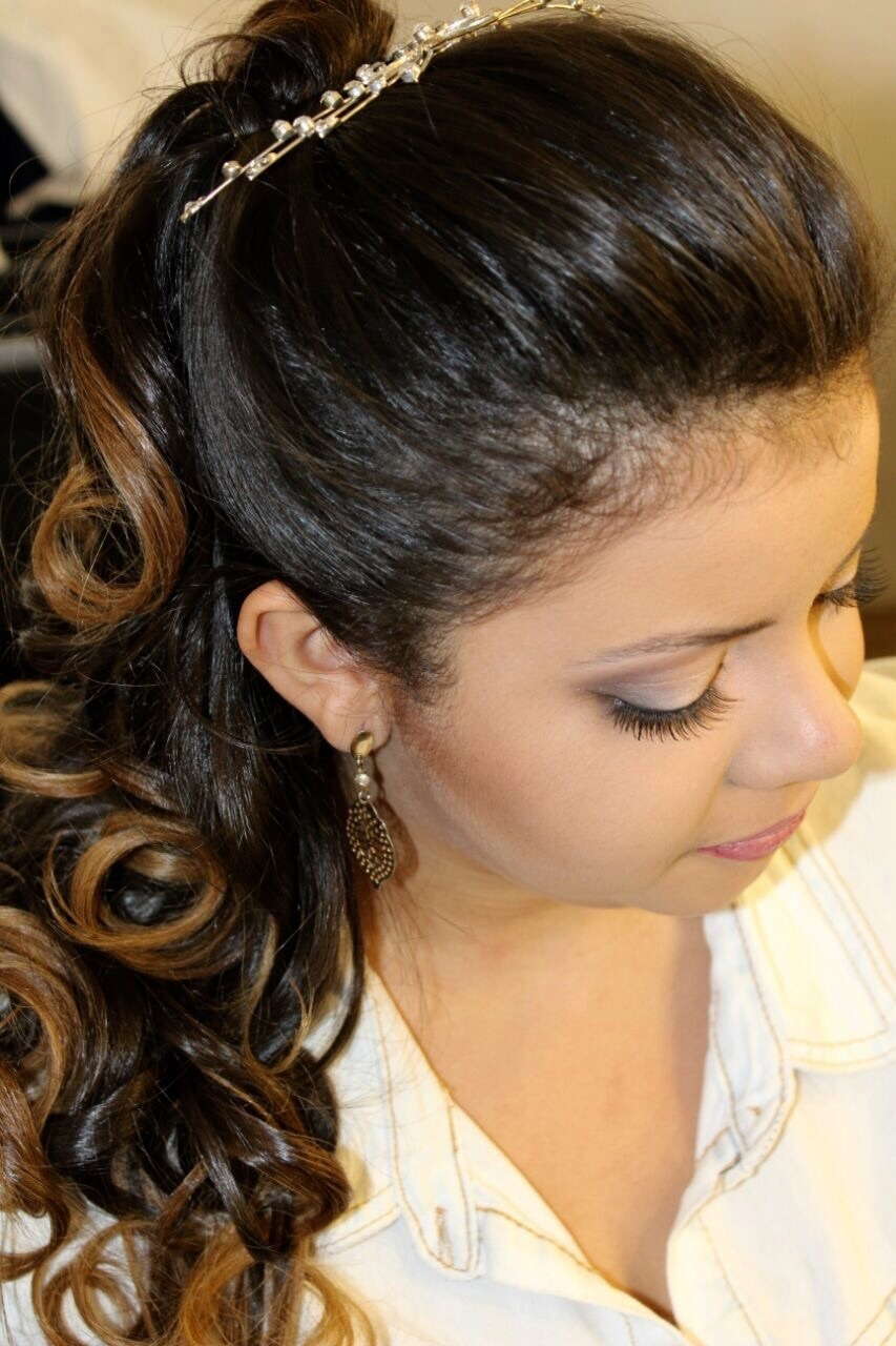 cabelo maquiador(a) cabeleireiro(a)