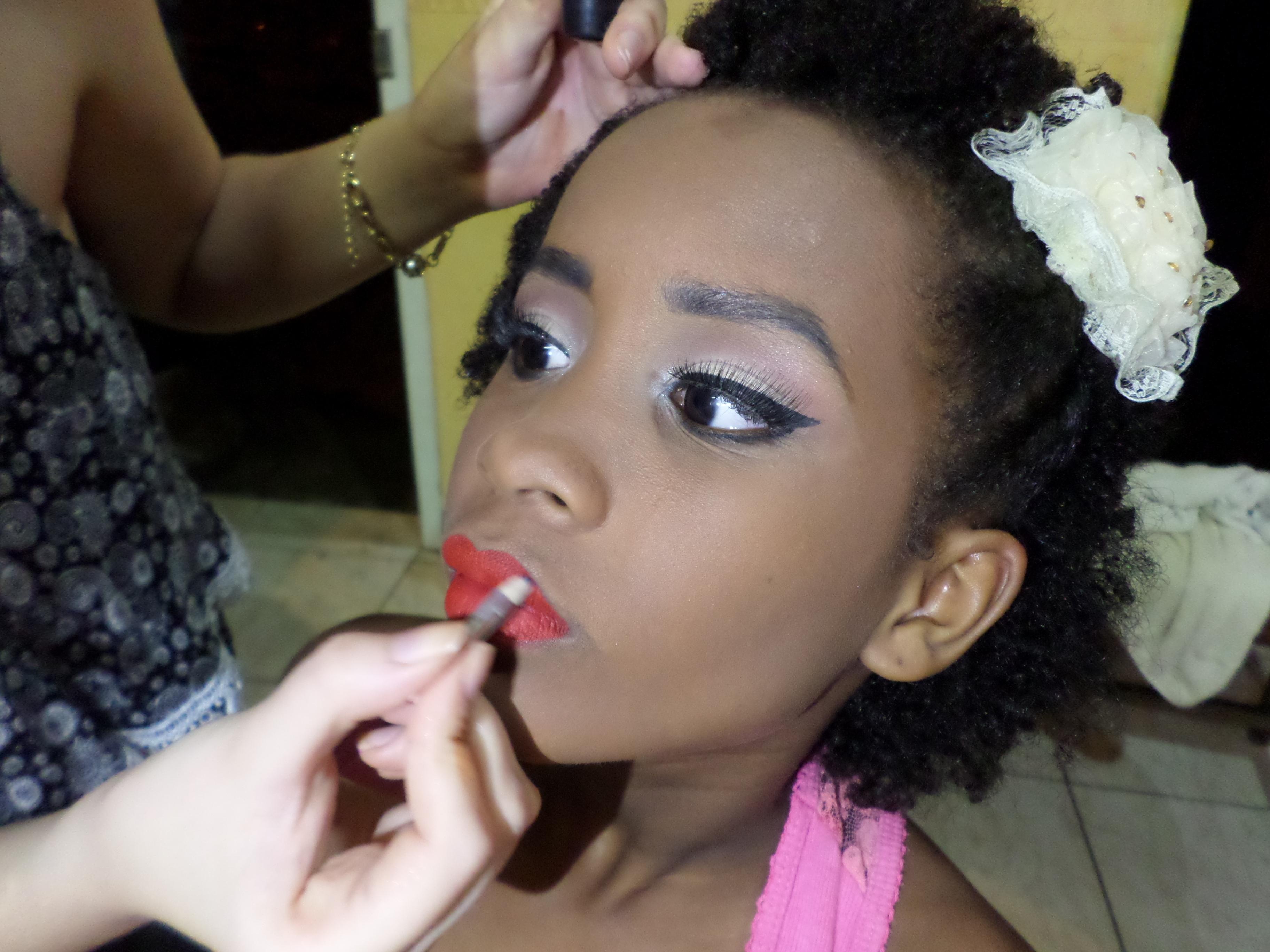 Maquiagem para festa de 15 anos, inspiração make Ariana Grande. Siga meu Instagram @kovalecmakeup maquiagem maquiador(a)