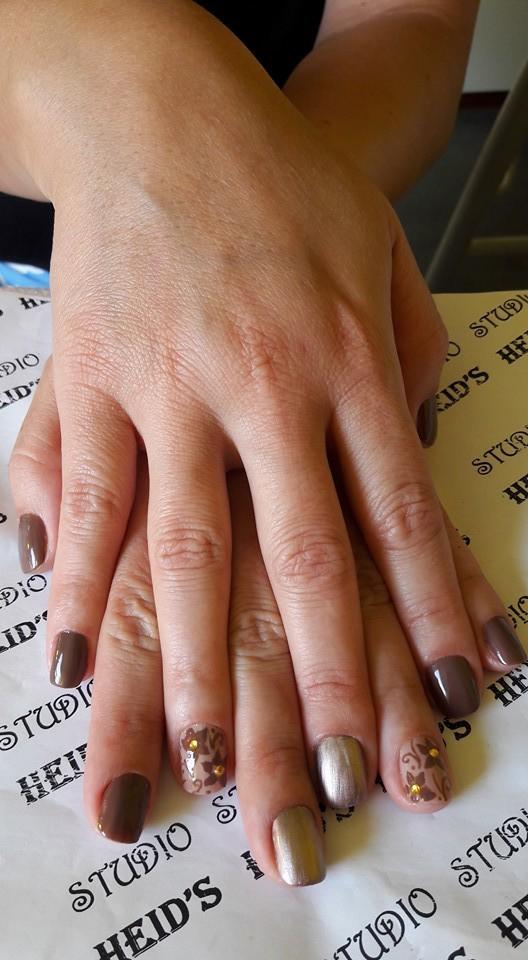Marrom com cara de inverno,,, unha designer de sobrancelhas manicure e pedicure depilador(a)