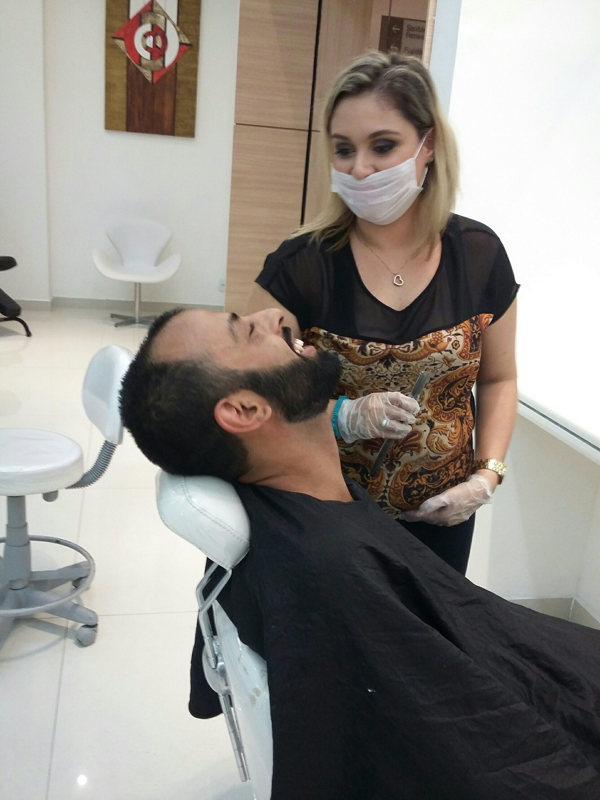 Barbearia com toalhas quentes.... outros cabeleireiro(a) maquiador(a) barbeiro(a) designer de sobrancelhas dermopigmentador(a)