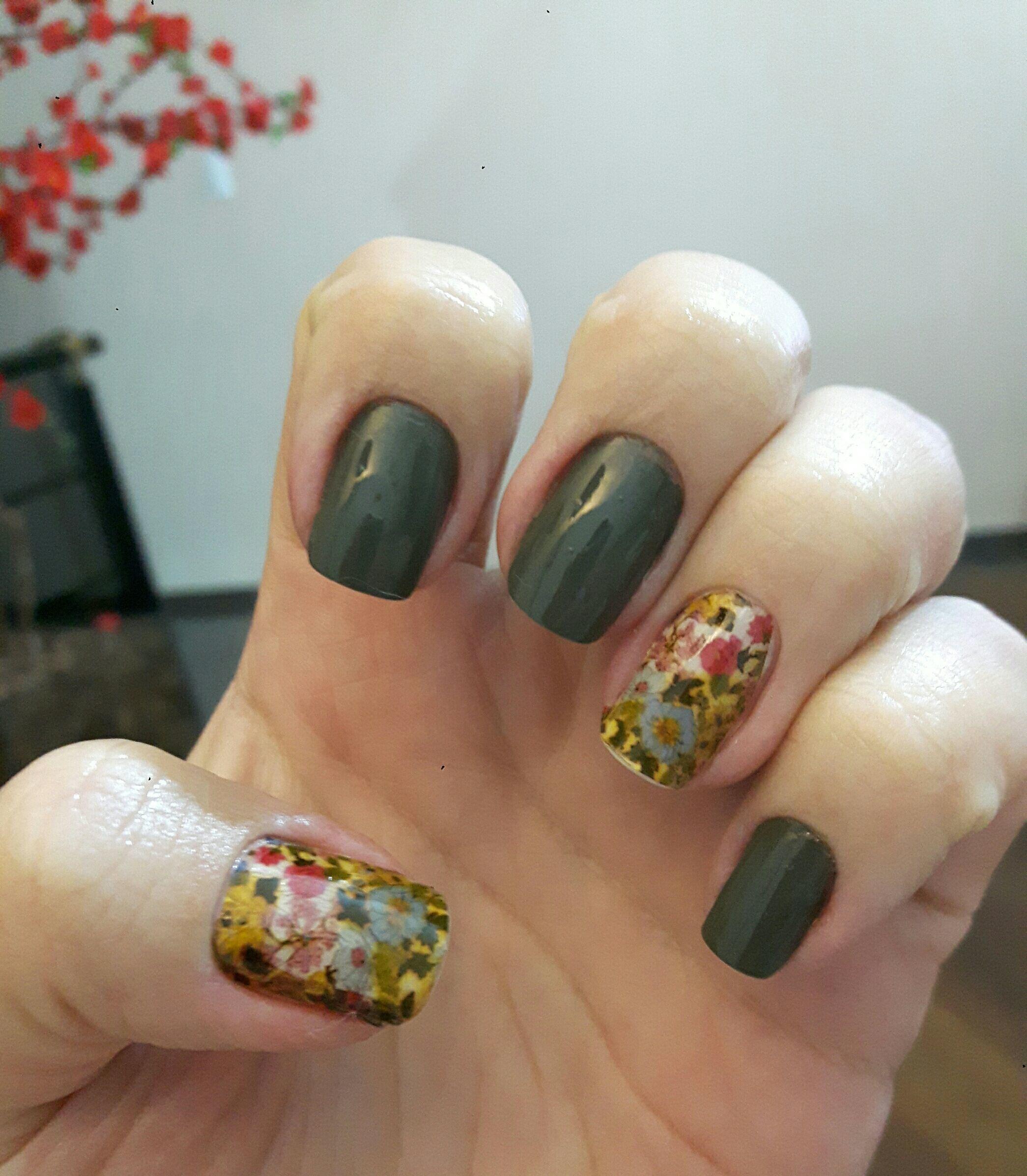 Película unha manicure e pedicure