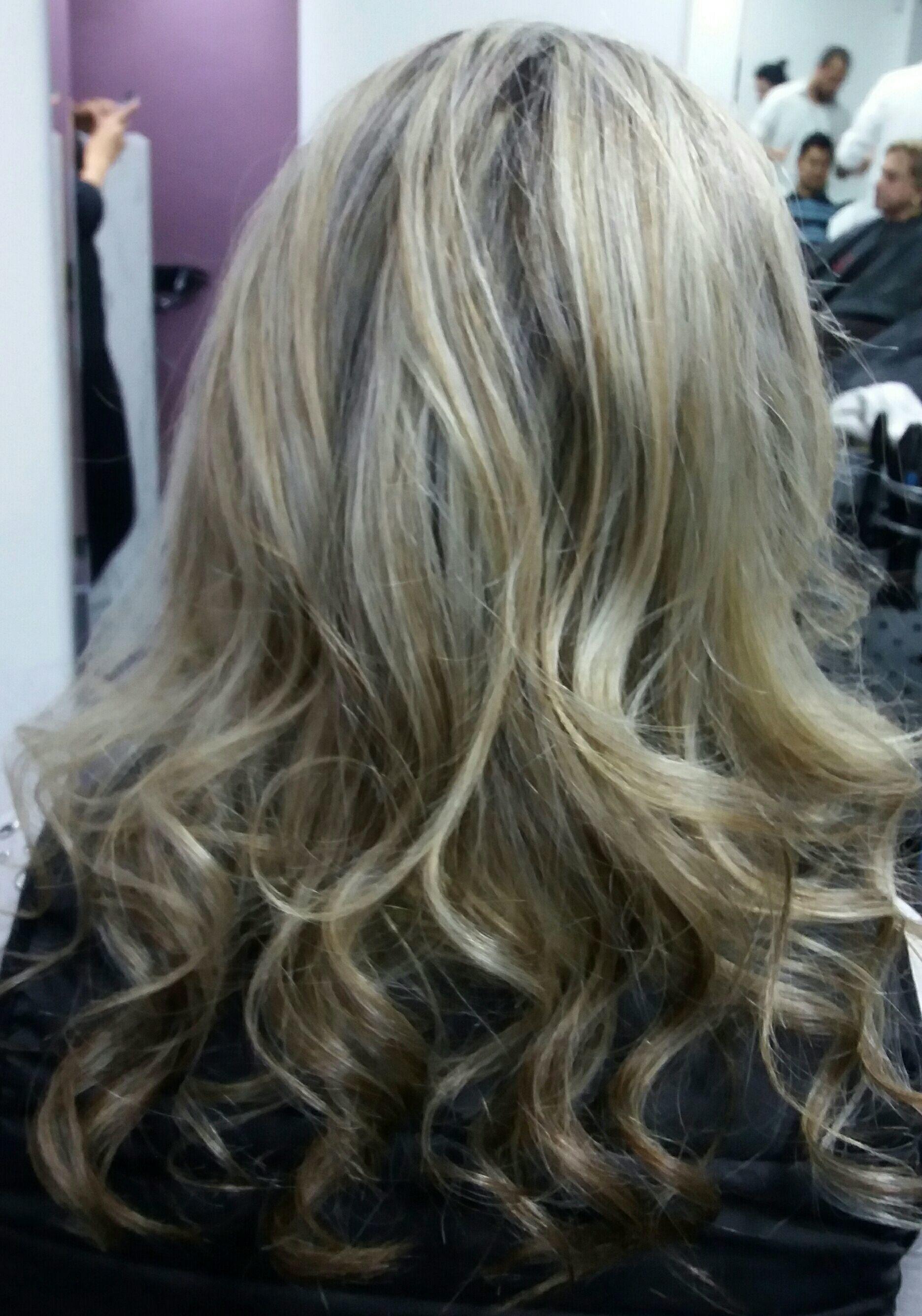 Retoque de raíz cabelo cabeleireiro(a)
