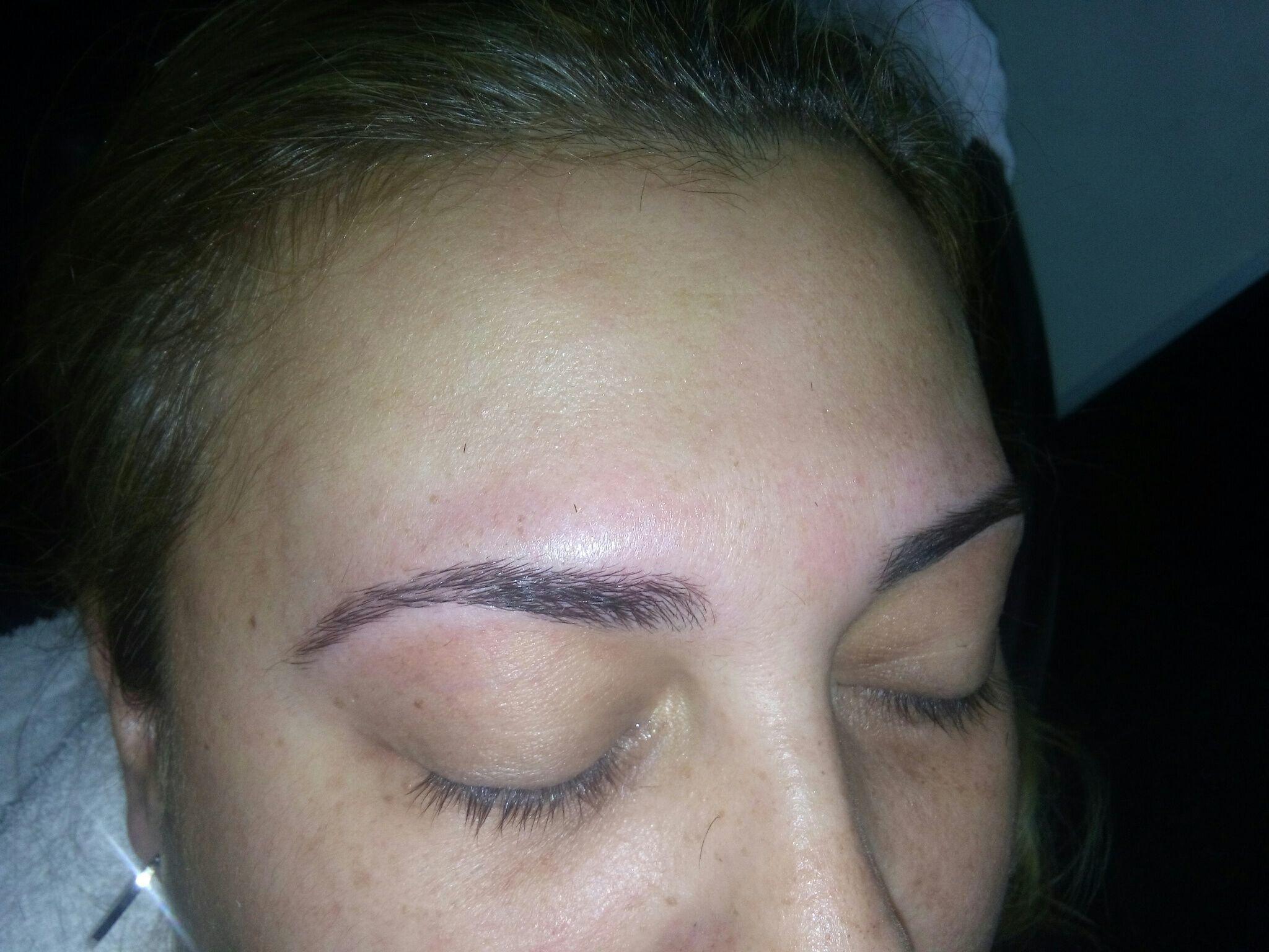 estética manicure e pedicure depilador(a) designer de sobrancelhas