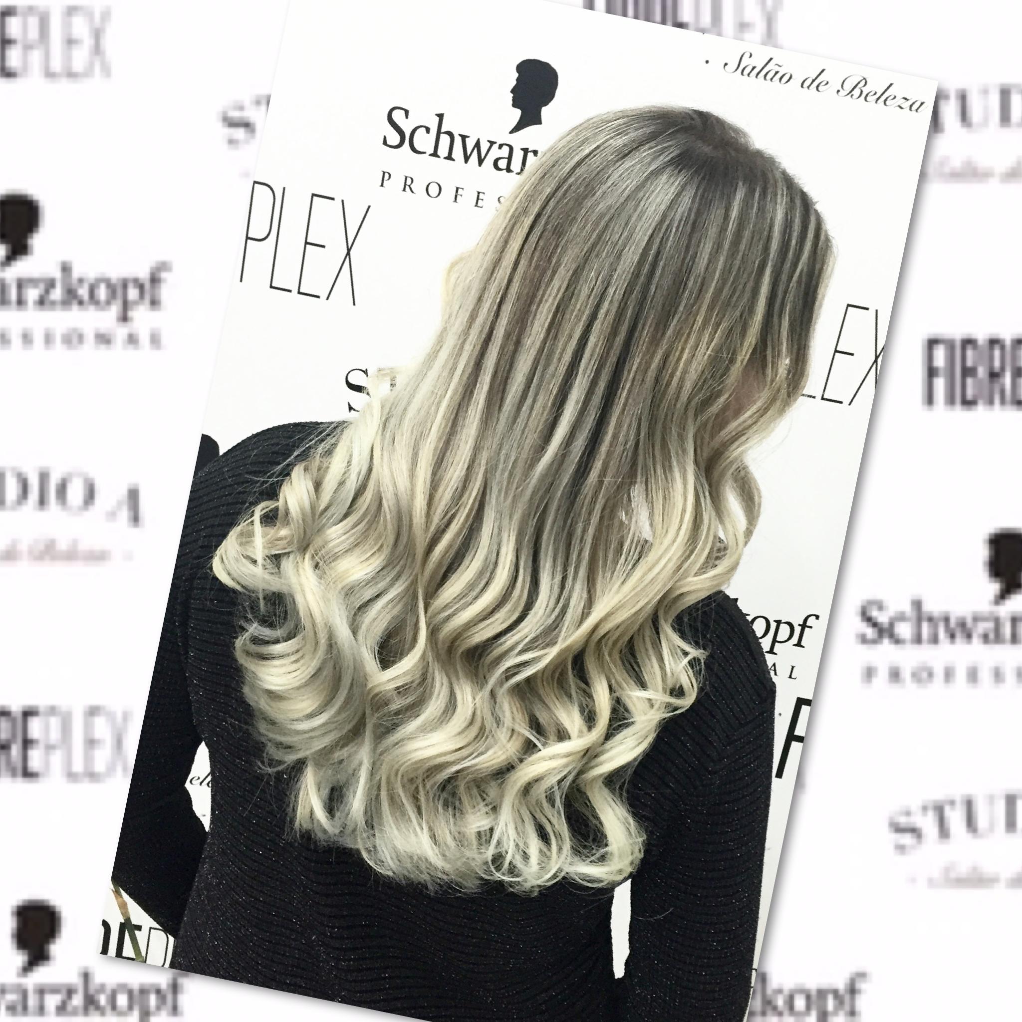 Mechas com pontas super claras cabelo cabeleireiro(a) empresário(a)