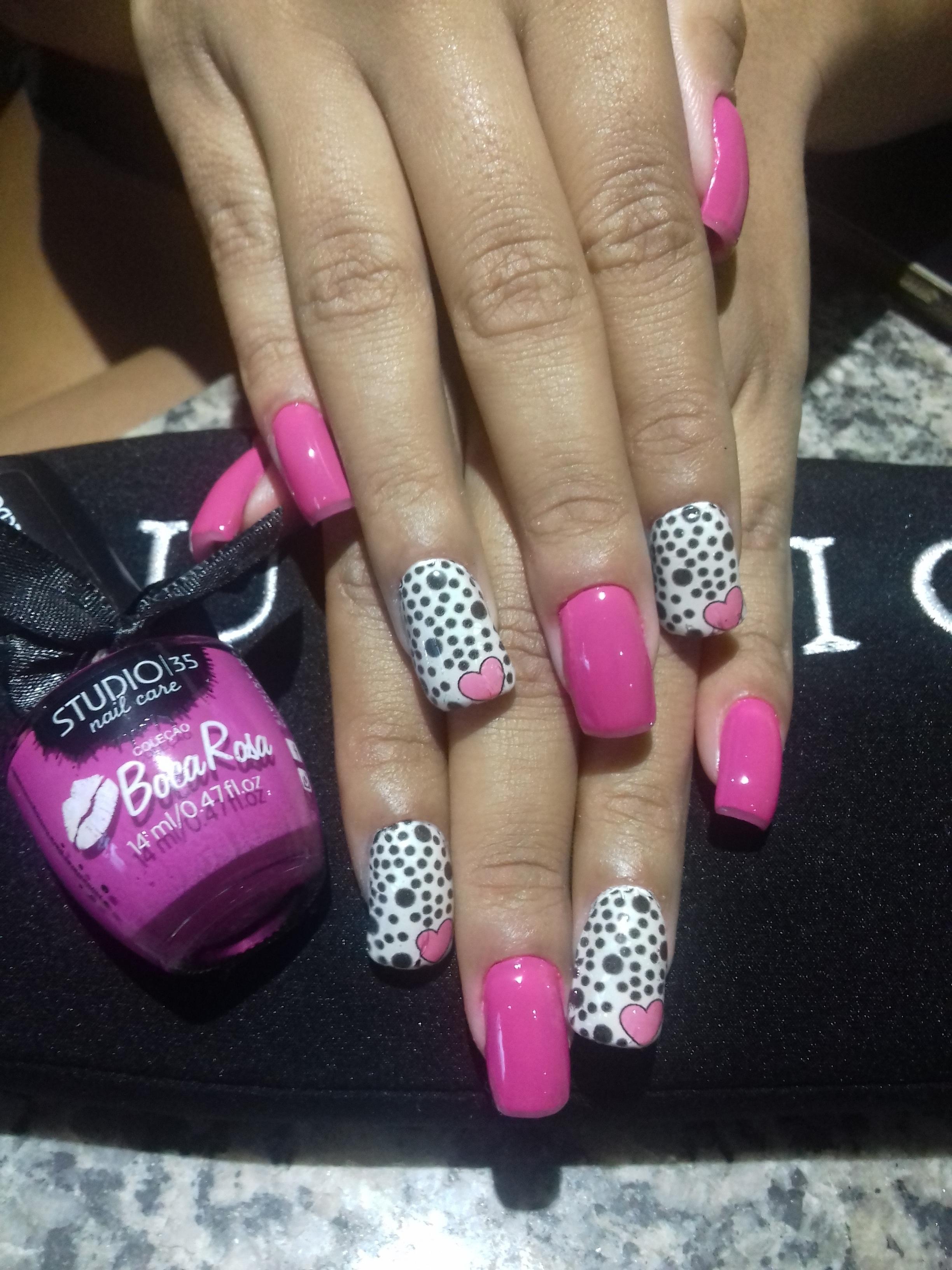 Manutenção de acrigel com aplicação de película.  #Nails #Beauty #Pink cabelo manicure e pedicure maquiador(a)