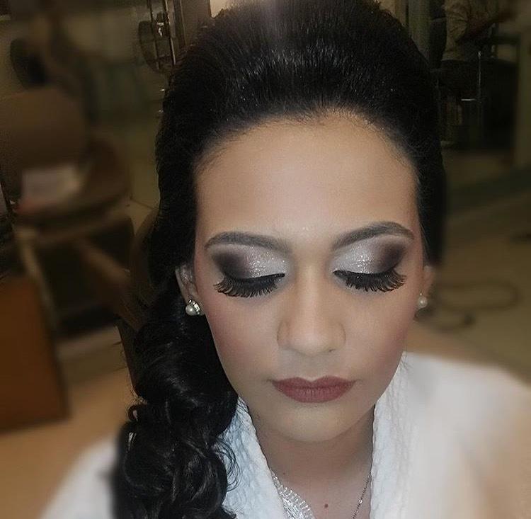 Maquiagem para madrinha. maquiagem maquiador(a)