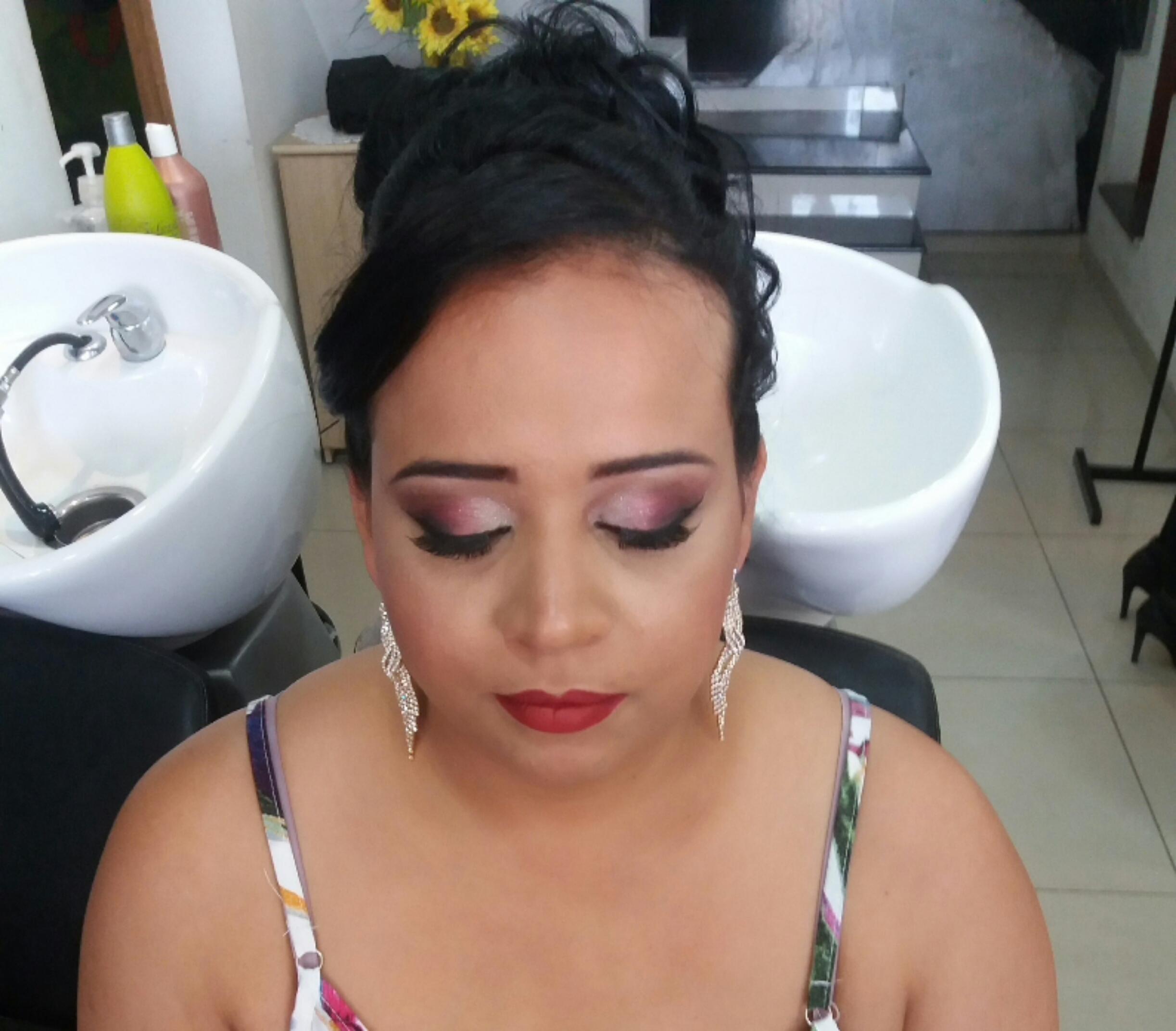 Make#monicadias maquiagem maquiador(a) designer de sobrancelhas consultor(a)
