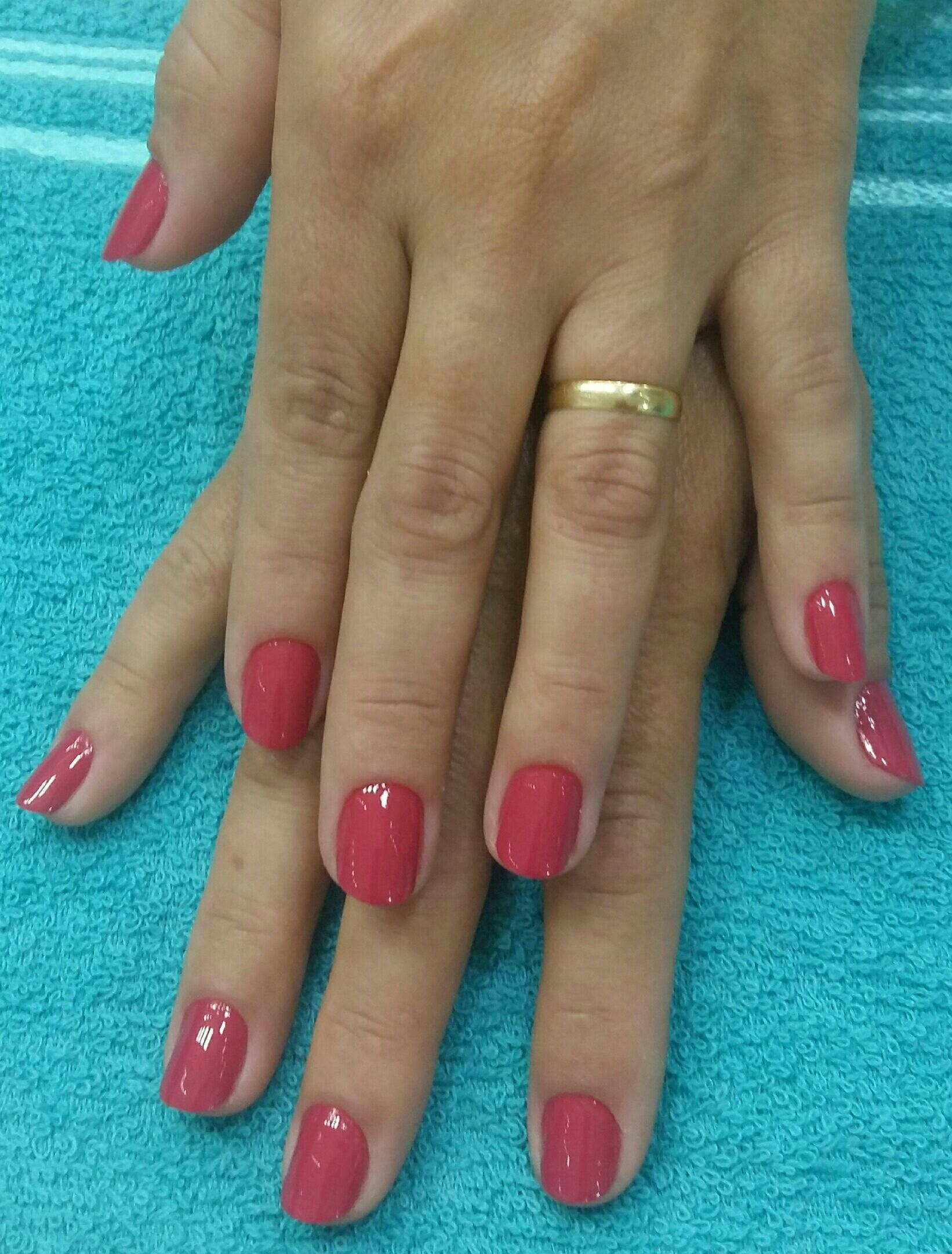 Mãos super delicadas, com o esmalte suflê de goiaba! unha manicure e pedicure designer de sobrancelhas manicure e pedicure manicure e pedicure