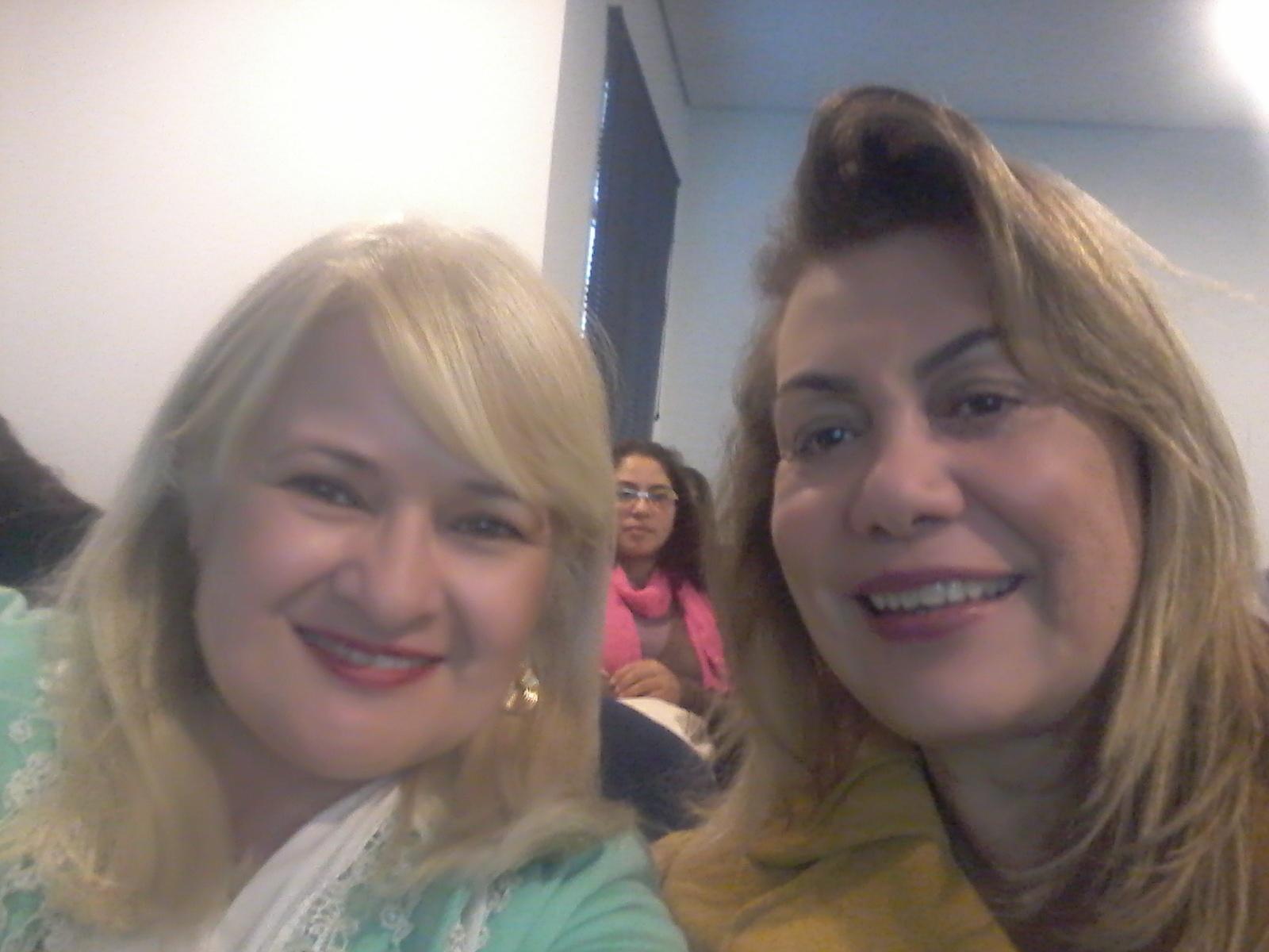 Com a querida amiga Ismara Brandão no simpósio magistral estética docente / professor(a)