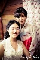 Linda noiva e sua mãe  #noiva #bride #casamento #makeorienral #make #penteado #diadenoiva #koreanstyle #kbeauty #kcosmetic #kcosmetics #makeoriental #coreana #beleza #kpop #novidade #tendencia #rotinacoreana #cuidadooriental #culturekorean #culturacoreana #empoderamento #feminina #rotinacoreana #thebest  #newlook #make #makeoriental #makeuplifestyle #makestyle  maquiagem cabeleireiro(a) maquiador(a)