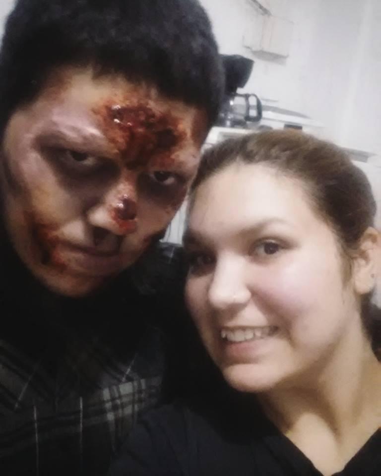 maquiagem de efeitos especiais realizada para o halloween maquiagem maquiador(a)