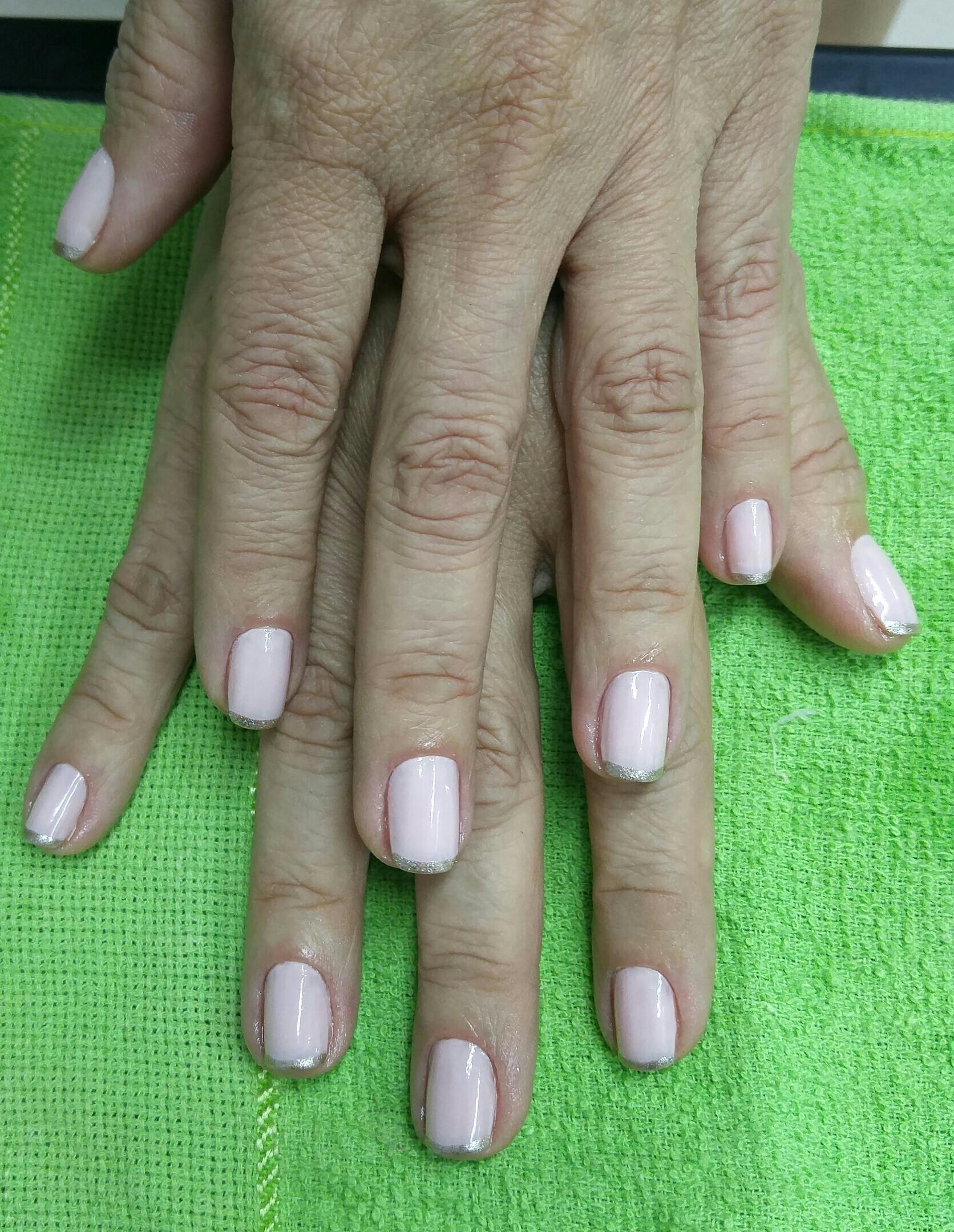 Inglesinha fofa e elegante😍 unha designer de sobrancelhas maquiador(a) manicure e pedicure