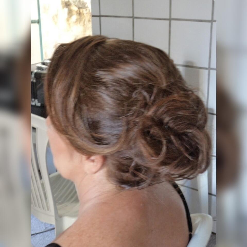cabelo maquiador(a) designer de sobrancelhas escovista