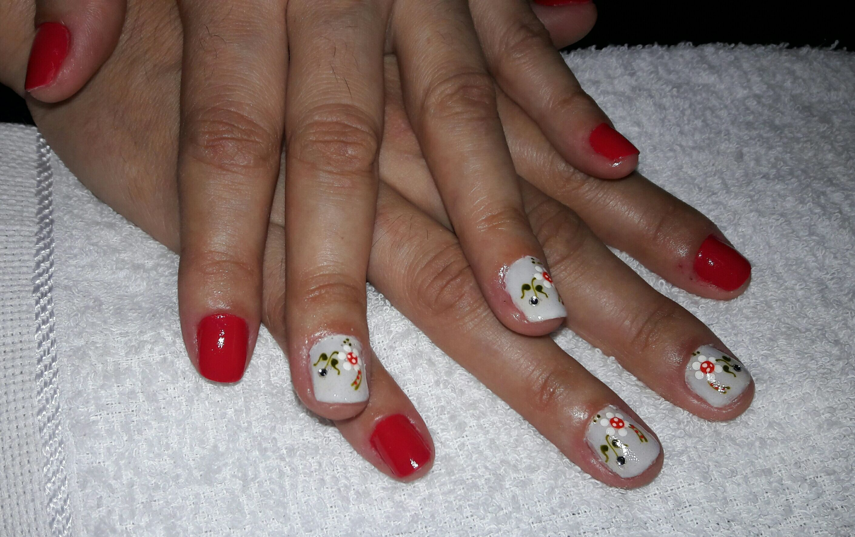 unha cabeleireiro(a) auxiliar cabeleireiro(a) manicure e pedicure