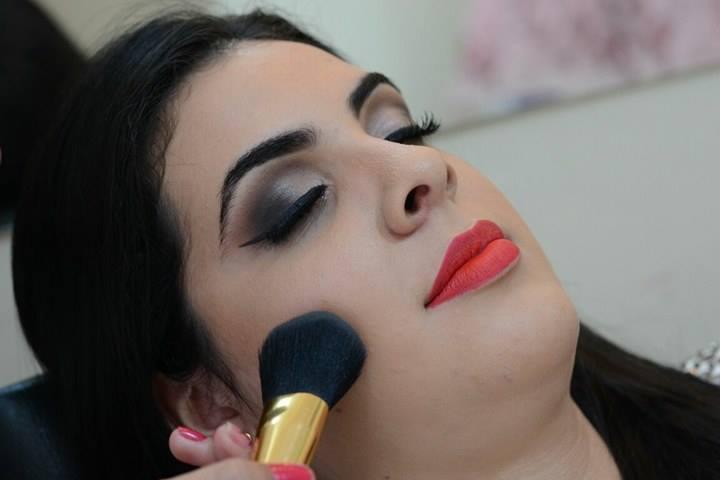 Ateliê Franciele Dela Coleta. maquiagem maquiador(a)