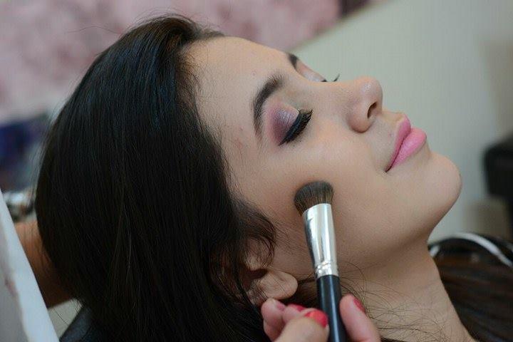 Make Suave & Delicada maquiagem maquiador(a)