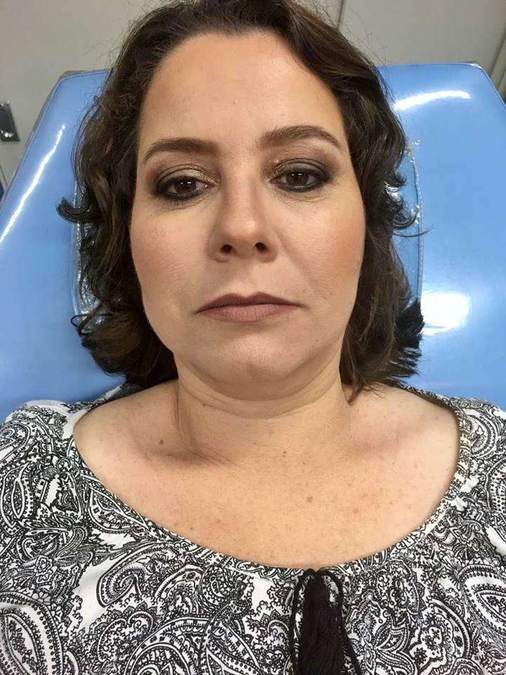 Pele Madura (depois) maquiagem recepcionista maquiador(a)