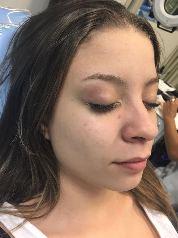 Debutante (Antes) maquiagem recepcionista maquiador(a)