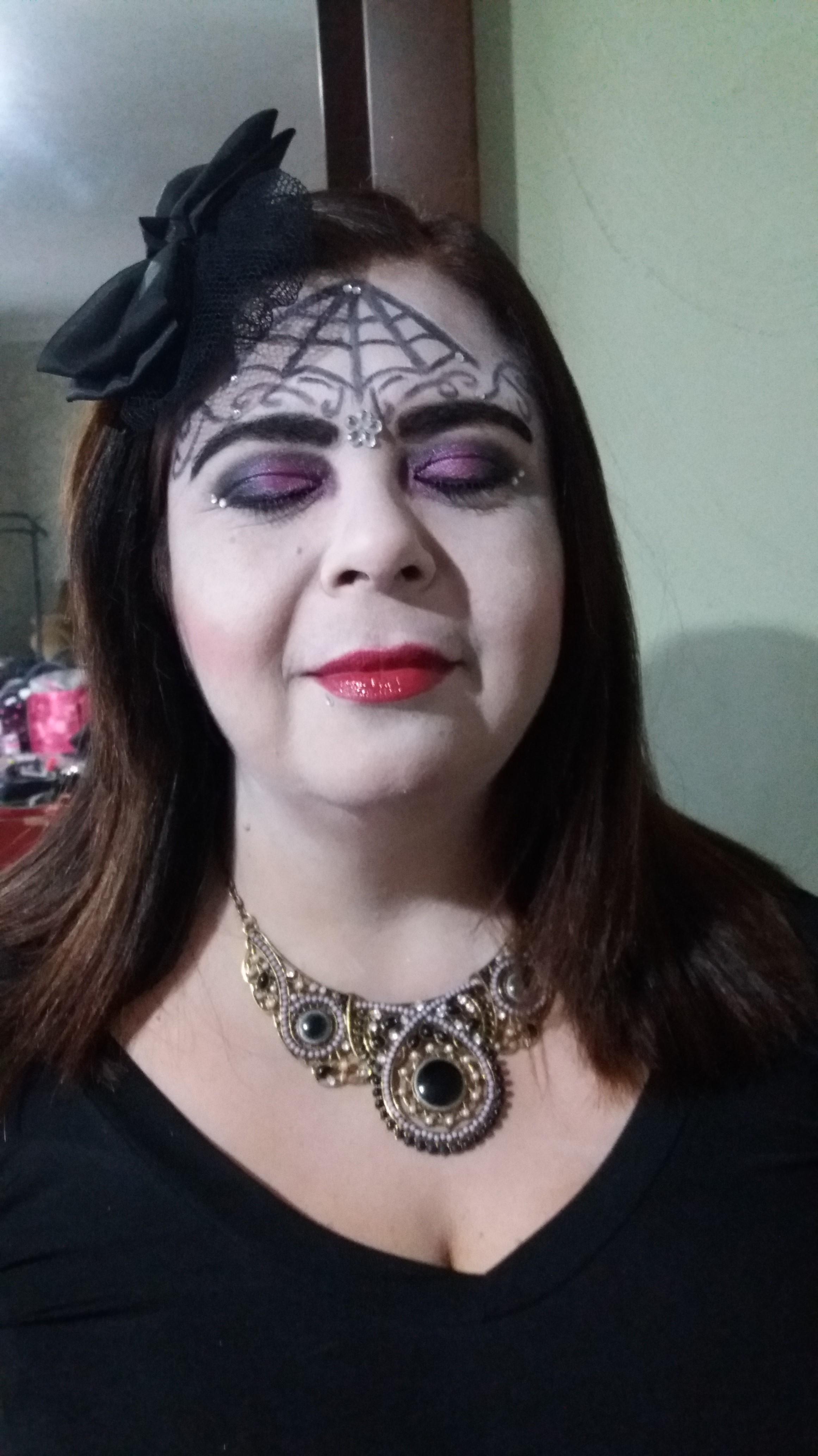 Maquiagem Artística - Festa de halloween Veja mais no meu Blog Vaidosas de Batom:  www.vaidosasdebatom.com maquiagem maquiador(a) docente / professor(a)
