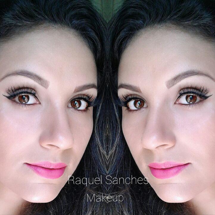 Make Natural com delineado. #menosémais  maquiagem maquiador(a) aromaterapeuta naturólogo(a) maquiador(a)