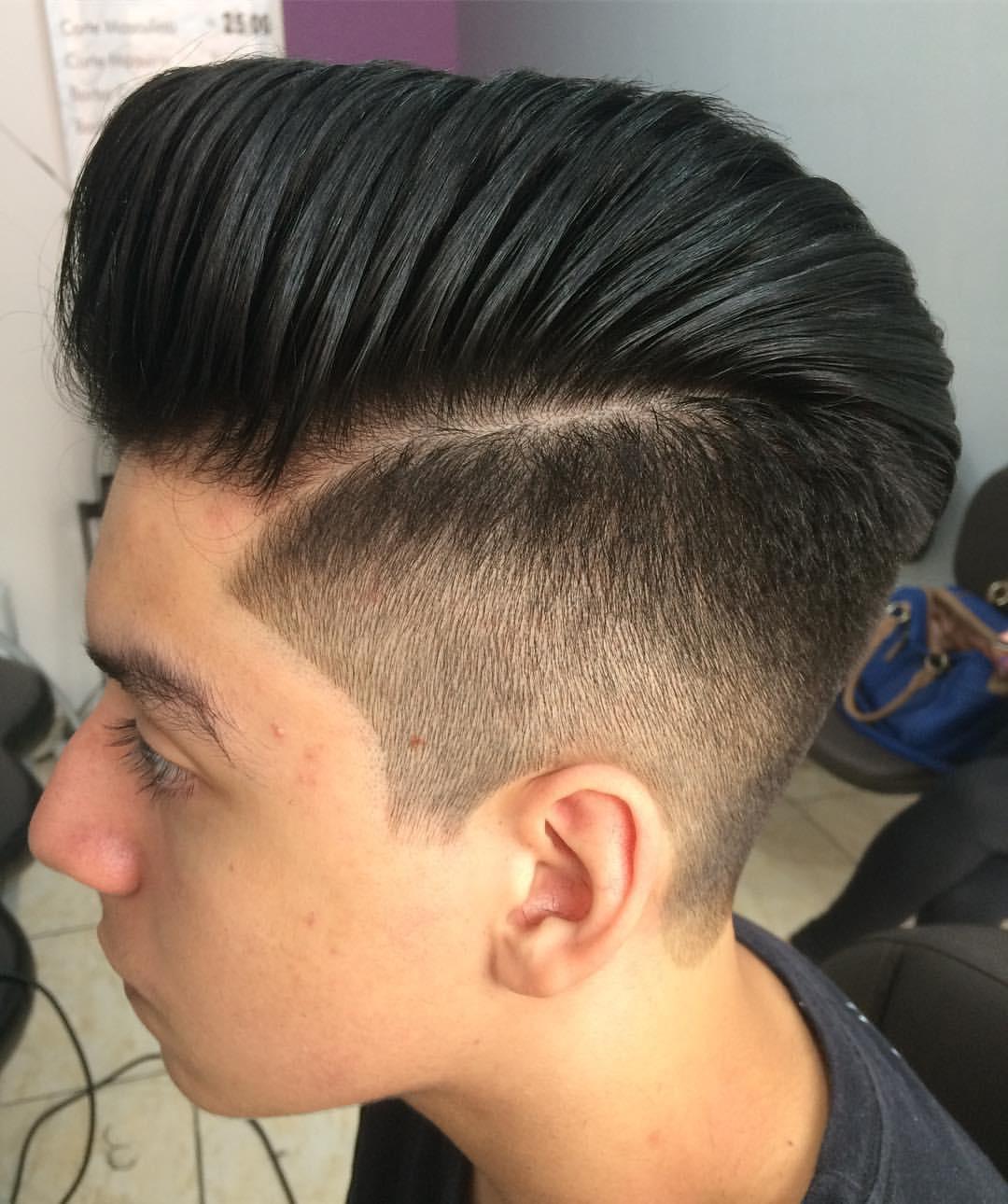 Corte Pompadour... cabelo cabeleireiro(a) barbeiro(a)