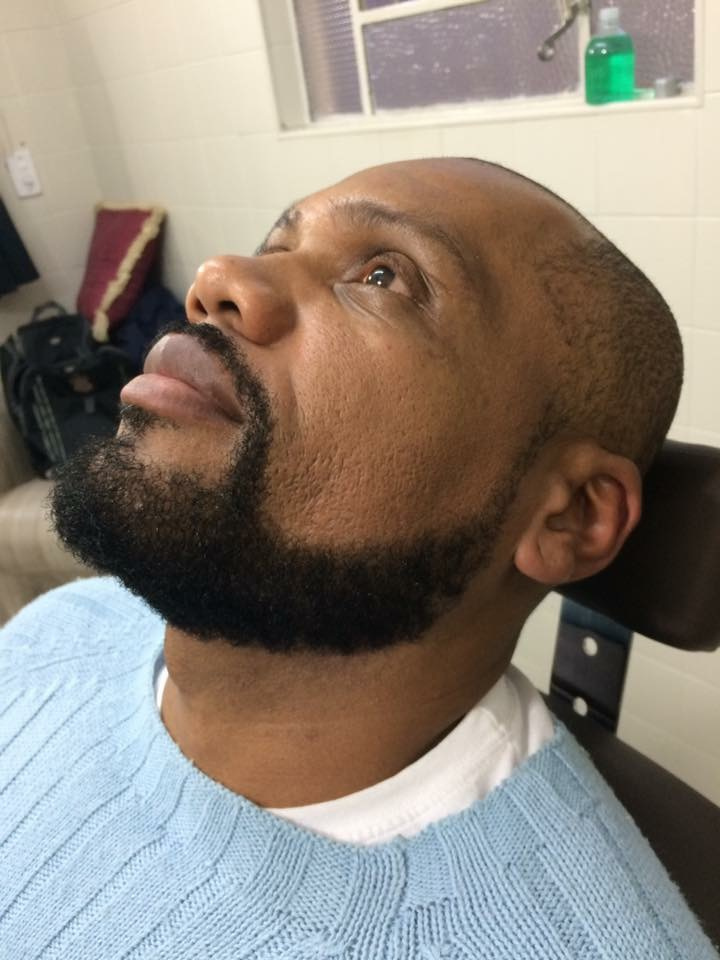 Barba Modelada, usando toalha quente... cabelo cabeleireiro(a) barbeiro(a)