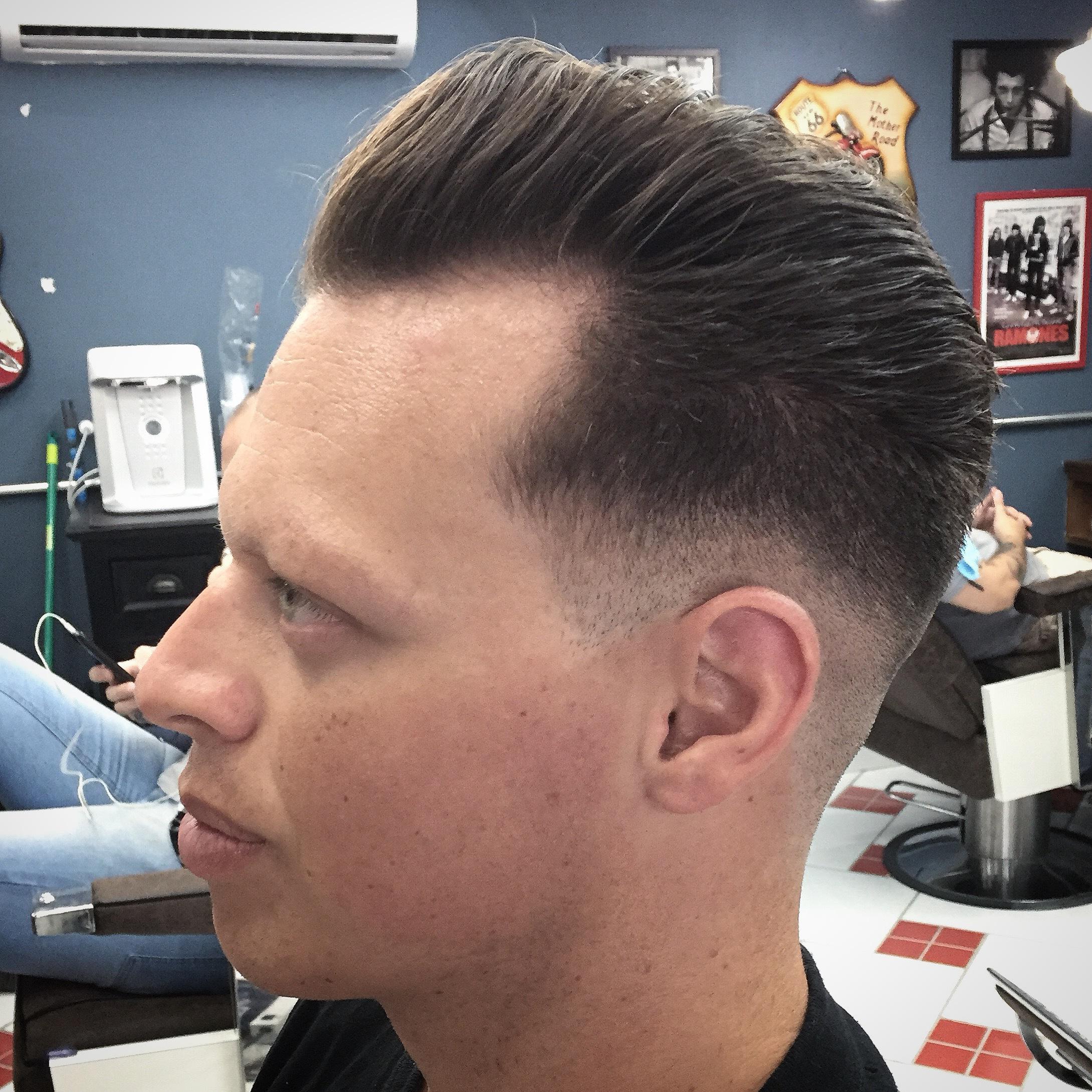Fade pomp... Siga mais no Instagram @rubz.barber cabelo barbeiro(a)