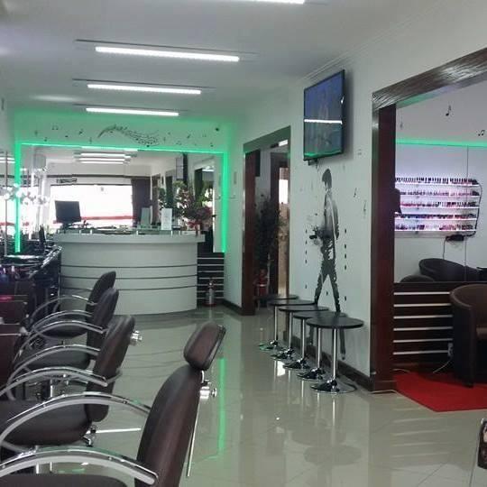 cabeleireiro(a) manicure e pedicure esteticista